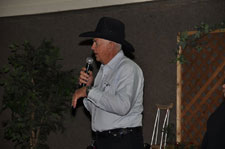 Chocolate Auction Auctioneer